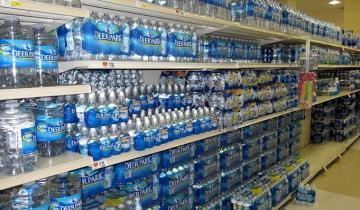 Новая большая проблема: бутилированная вода оказалась переполнена микрочастицами пластика
