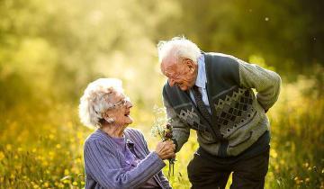 Чистая и честная любовь живет и в старости!
