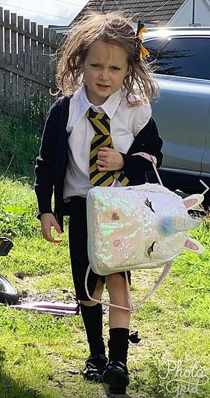 Первый день в школе: фото юной шотландки развеселило Интернет!