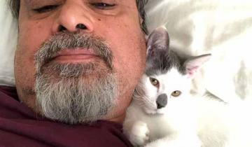 Сначала суровый отец наотрез отказывался от котенка, а потом упрашивал его не забирать