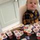 Стоило папе отлучиться, как 3-летняя дочь за 10 минут съела 18 упаковок йогурта!