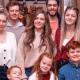 45-летняя мать семерых детей выглядит также, как и ее дочь