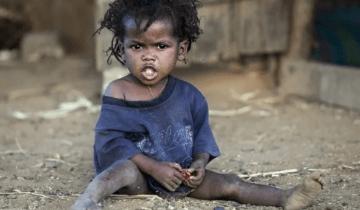 20 лет назад мужчина удочерил девочку из Сомали и привез к себе на родину
