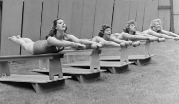 Как тренировались самые перспективные девушки-пловцы США в 1940-х годах
