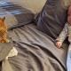Старенький кот притворялся, что не любит хозяйскую дочку, но оказалось, что это не так