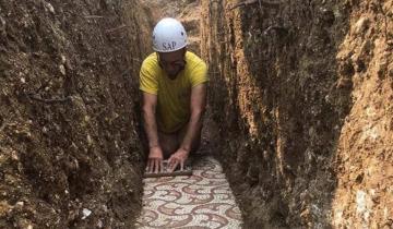 В Италии во время прокладки труб случайно нашли древнеримскую мозаику