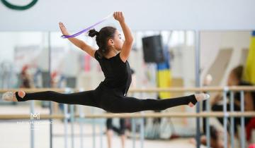 Из-за пандемии 9-летняя гимнастка из Дубая застряла в Украине и уже больше 2 месяцев живет совсем одна