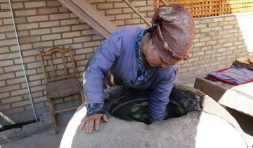 Как узбекские продавцы легко переносят самую сильную жару?