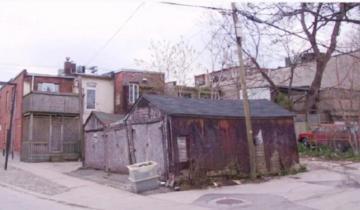 Над супругами смеялись соседи, когда они выкупили старый гараж