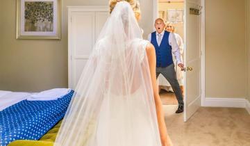 Отцы впервые видят дочерей-невест. Очень трогательные фото