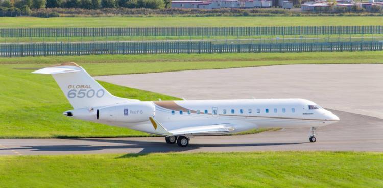 Универсальный Bombardier Global 6500 идеально сочетает дальность полета, скорость и плавность хода