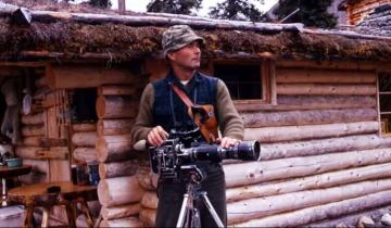 52-летний мужчина уехал в дикие леса Аляски, построил дом и остался там на 30 лет