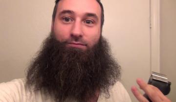 Целый год год отращивал бороду, а потом взял и сбрил её