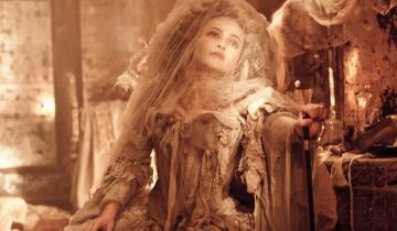 История невесты-отшельницы, которая 35 лет провела в своем свадебном платье
