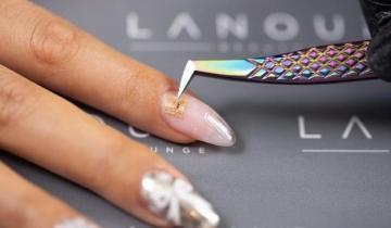 Маникюр с микрочипом — в Дубае предлагают модную услугу