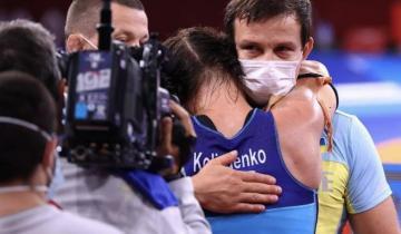 Бронзовая призерка Олимпиады-2020 Ирина Коляденко отдала подаренную квартиру тренеру