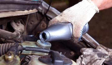 Тормозные жидкости для авто: виды, характеристики и правила применения