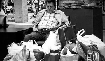По воле в неволе: мужские «развлечения» во время женского шоппинга