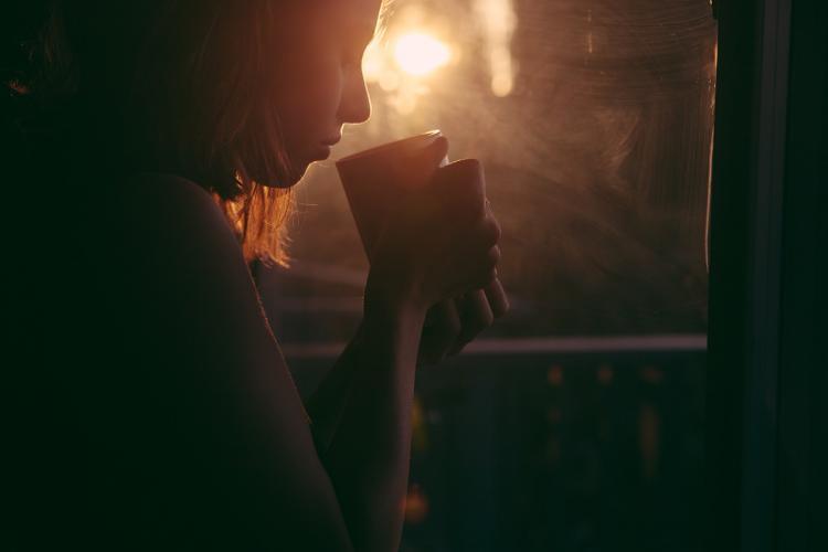 При ангине полезно пить чай