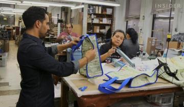 В США делают дизайнерские сумки из мусорных пакетов, чтобы не выбрасывать их